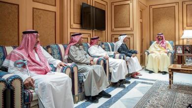 Photo of وزير الداخلية يزور العقيد عبدالله الغامدي بعد إصابته في تبادل إطلاق النار بحي طيبة بالمدينة