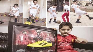 Photo of صلاح يهدي قميصه وحذاءه لطفل سوري بُترت ساقه.. و «فيفا» يعلق
