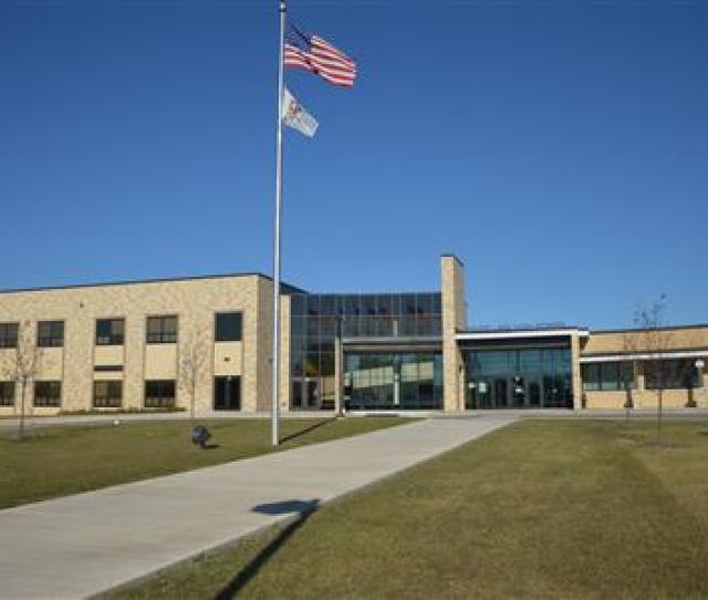 Round Lake Schools Detail Page
