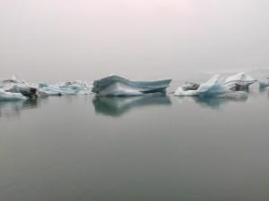 Diese Eisberge treiben Richtung Meer