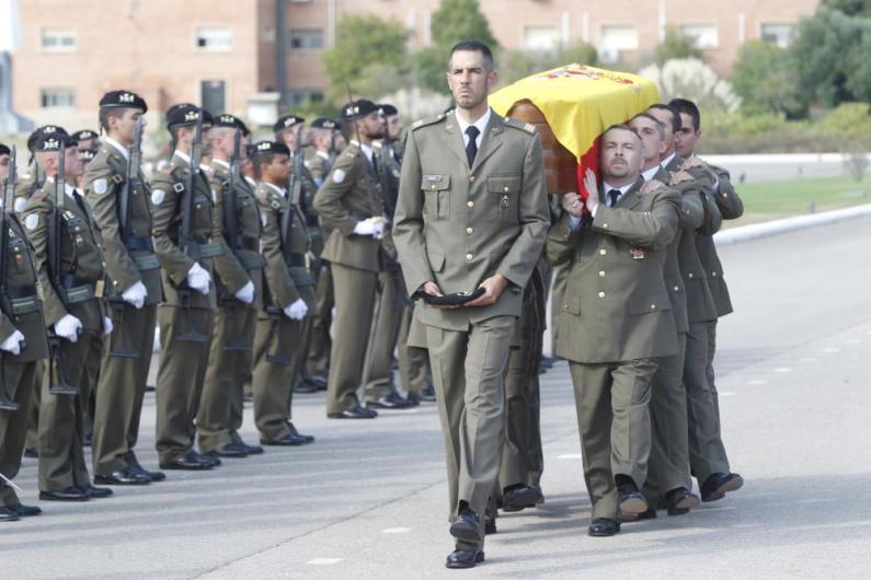 HOMENAJE AL SOLDADO DEL RCLA LUSITANIA 8 FALLECIDO EN ACTO DE SERVICIO