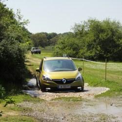 Jednalo se o outdoor verzi, která zvládla lehký terén a nabídla možnosti volby trakce.