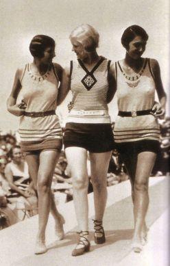 1928 fashion show at the beach