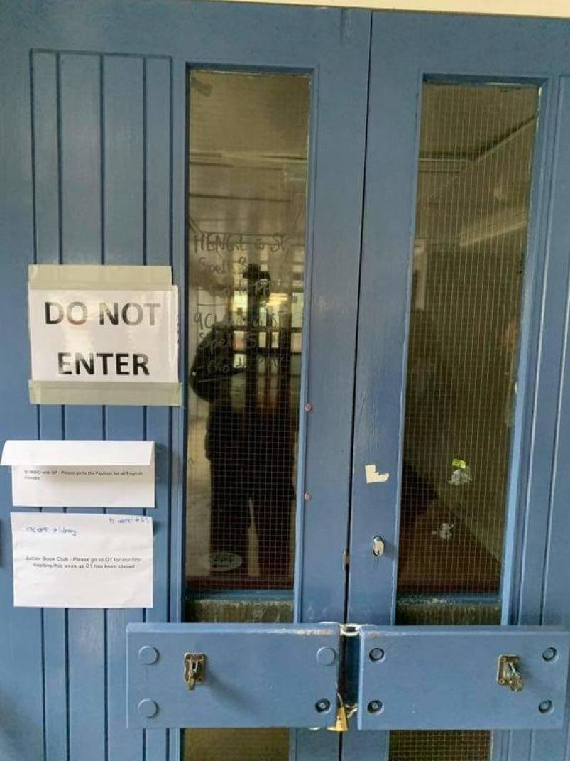 A block of classrooms at Hutt Valley High School has had to shut due to mould and leakage problems.