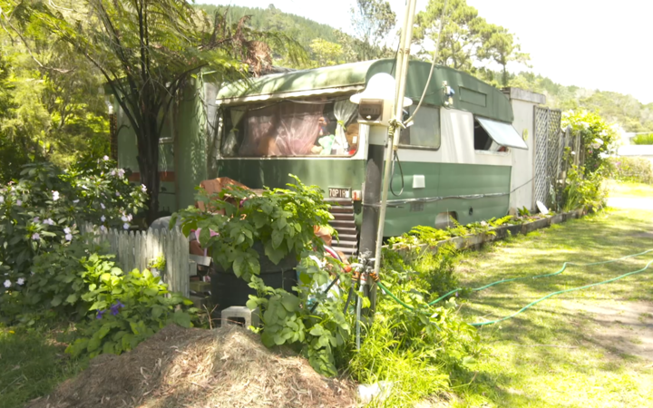 Geoff and Maureen Ward's caravan isn't the only one parked full-time on campgrounds, with other families also saying they're in the same situation.