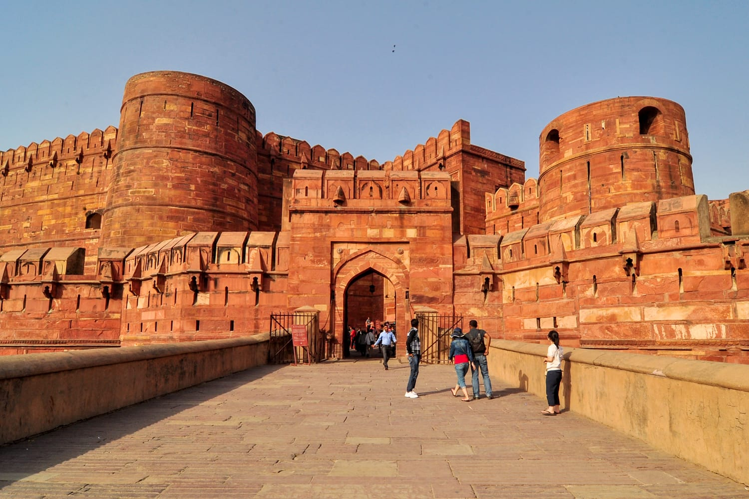 Agra Red Fort, a Unesco World Heritage site, and one of the biggest tourist highlights, just 2 km of Taj Mahal. Built by several Mughal emperors from XV to XVI centuries. Uttar Pradesh, India.