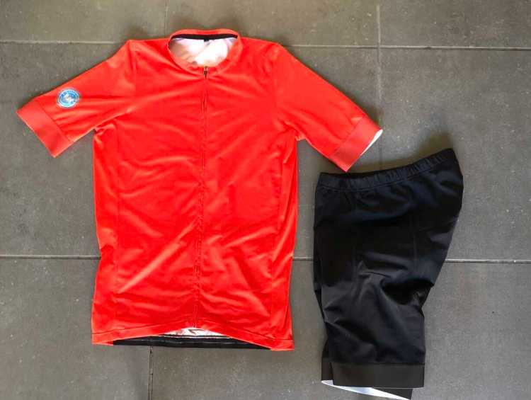 70 degrees cycling outfit