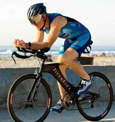 Titan Flex bicycle and Tom