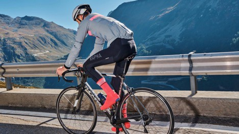 Rapha Pro Team Base Layer, Rain Vest, Race Cape and Winter Tights Review