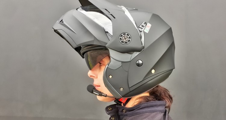 Interfono Just Speak S montato su casco Caberg Tourmax