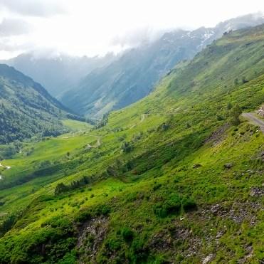 Da Aínsa-Sobrarbe e Salardú in moto, panorama sui Pirenei