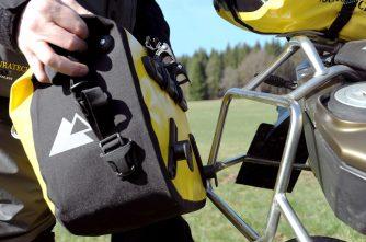Borse laterali morbide Touratech Endurance Click, l'attacco ai telaietti