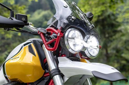 2018 Moto Guzzi v85 tt fari