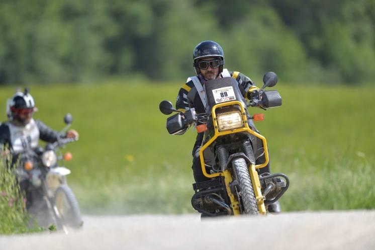 polvere-e-gloria-eroica-in-moto-2019-bmw