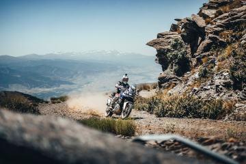 cambiare le pastiglie dei freni alla moto