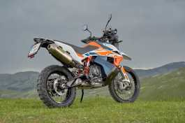 ktm-790-adventure-r-rally-scarico-akrapovic
