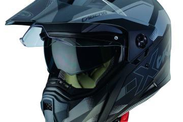 come pulire casco moto visiera