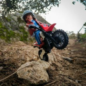 click-jones-moto-playmobil-instagram-impennata-offroad