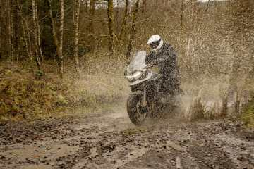 come pulire la moto