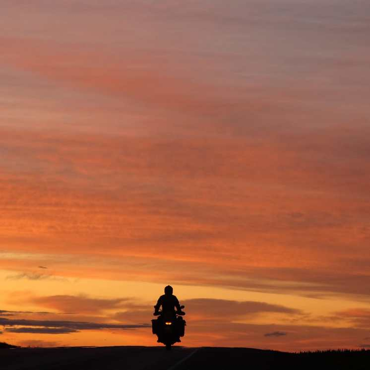 nick-sanders-moto-tramonto