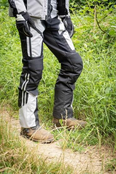 dotazioni obbligatorie moto italia pantaloni