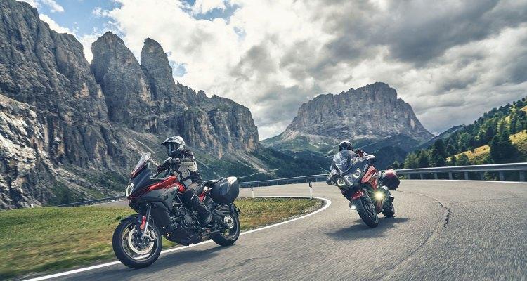 Bridgestone Battlax Sport Touring T32 e T32GT gomma da bagnato per viaggi
