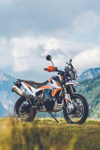 ktm-890-adventure-r-rally-dotazioni-di-serie