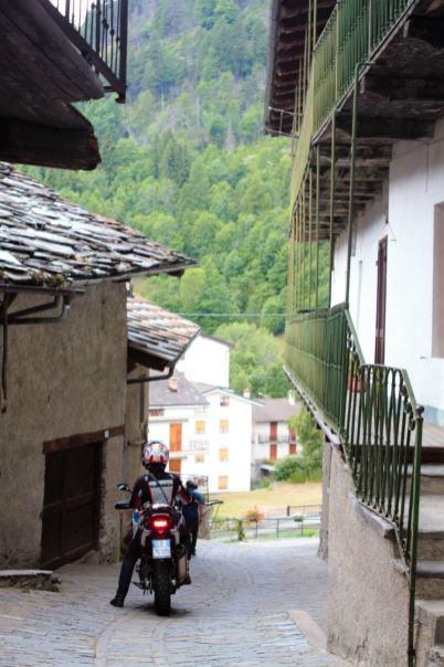 011-Agnello-Bikers-Republic-per-le-vie-di-Casteldelfino