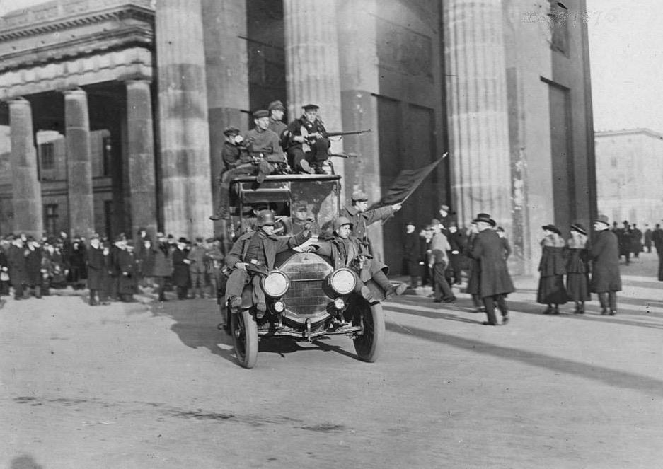 Brandenburg Gate, Berlin during the 1918 German Social Revolution