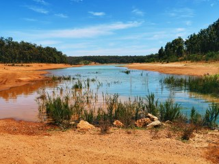 A campers guide to Lake Navarino, Western Australia