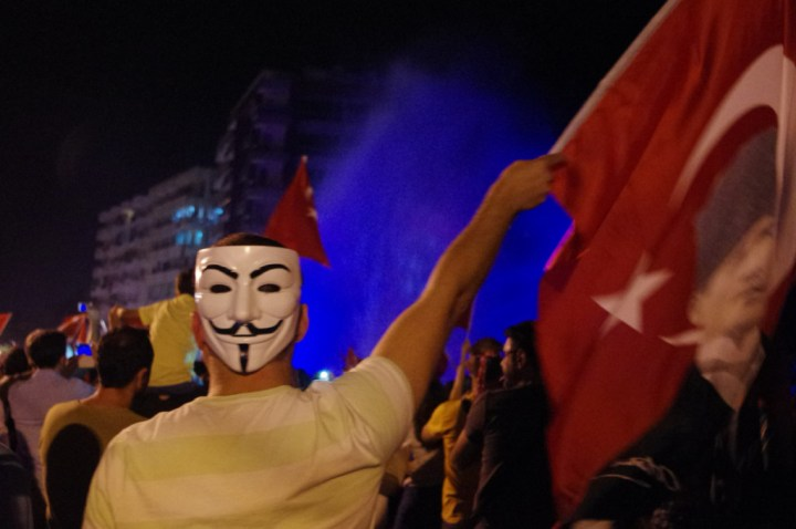 Antalia-Turkey-occupy-Gezy-mask