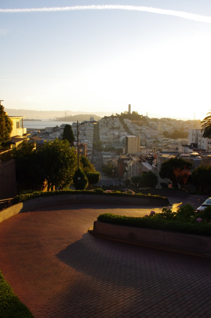 Lombard Street - sunrise - Exploring San Francisco - learn more on Road Trips around the World - www.RoadTripsaroundtheWorld.com