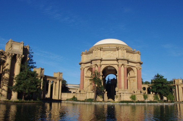 Palace Fine Arts - Exploring San Francisco - learn more on Road Trips around the World - www.RoadTripsaroundtheWorld.com