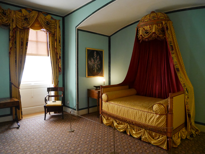 Kew-Palace-Garden-London-UK-princess bed
