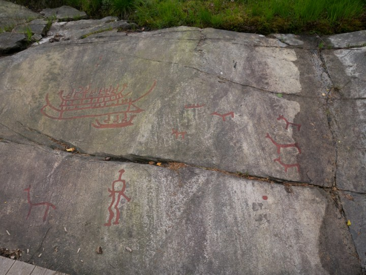 Tanum rock carvings - Sweden - Vitlyckehällen drawings