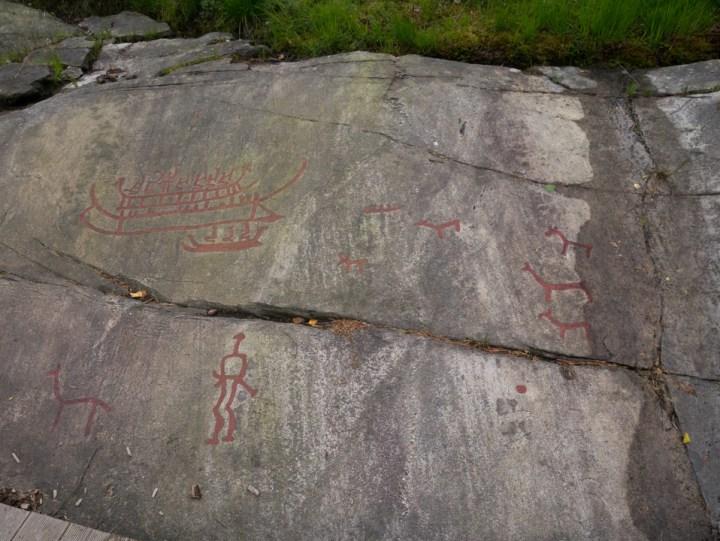 Tanum rock carvings - Sweden - Vitlyckehällen drawings