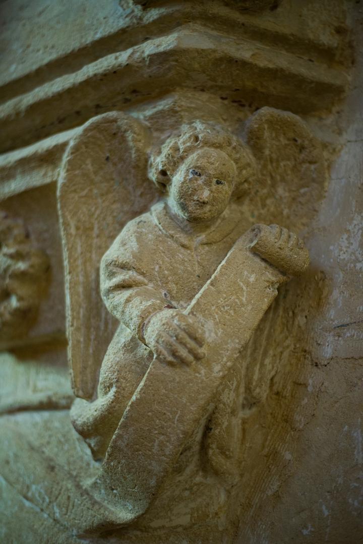 Detail sculture angel - Notre Dame d'Avioth - Avioth - France