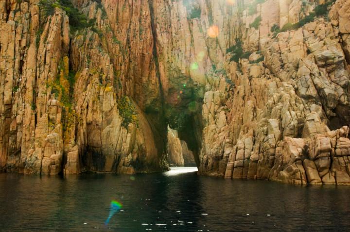 Scandola Nature Reserve in Corsica - Porto Golf calanques secret passage