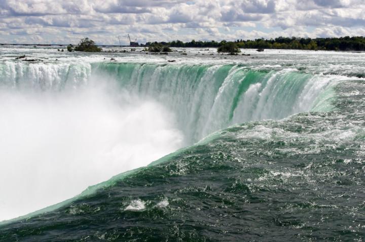 The Niagara Falls - Canada - roadtripsaroundtheworld.com