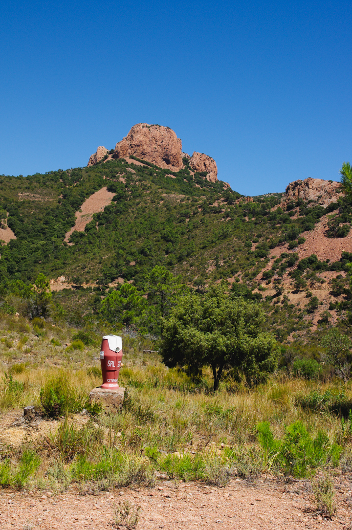 A surprising sight! An Hydrant in the middle of the Esterel, France - Learn more on roadtripsaroundtheworld.com