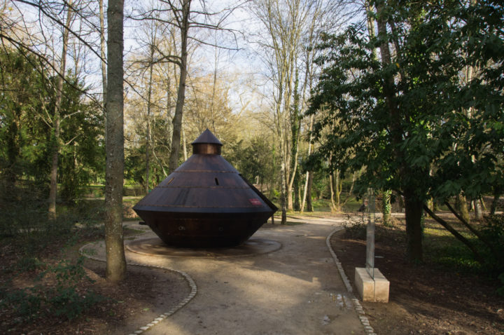 The Tank by Leonardo da Vinci in the Clos Lucé, France - Find out more on roadtripsaroundtheworld.com