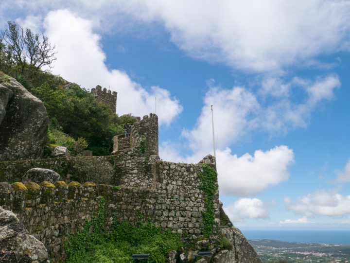 Castle of the Moors in Sintra, Portugal - The Curtain wall - Learn more on roadtripsaroundtheworld.com