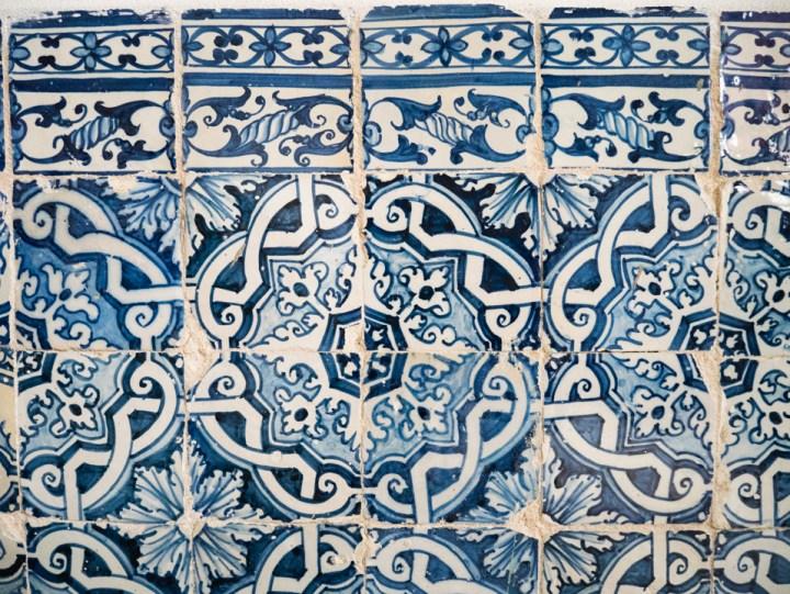 Beautiful tiles - Sintra Palace - Portugal - Learn more on RoadTripsaroundtheWorld.com