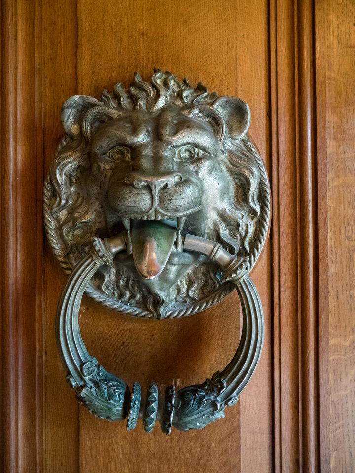 Door knob - Quinta da Regaleira Palace - Portugal - Learn more on RoadTripsaroundtheWorld.com