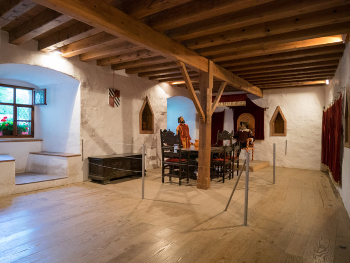 the-knights-hall-predjama-castle-slovenia-learn-more-on-www-roadtripsaroundtheworld