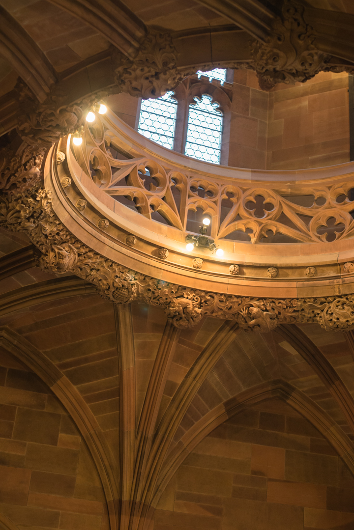 ceiling-of-the-staircase-the-john-rylands-library-in-manchester-learn-more-on-www-roadtripsaroundtheworld-com