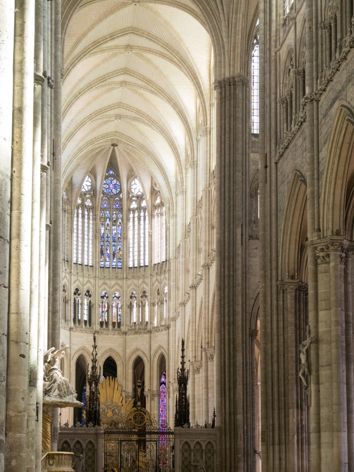 The choir of the Amiens Cathedral, France - www.RoadTripsaroundtheWorld.com