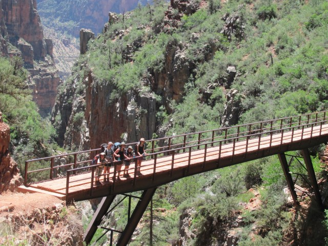 Grand Canyon Rim to Rim with kids-Views on the North Kaibab Trail in Grand Canyon National Park