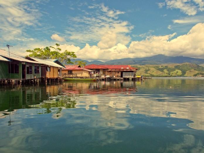 Lake Sentani West Papua Indonesia Roamindonesia Com