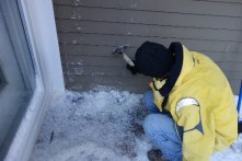 Removing icicles from the walls